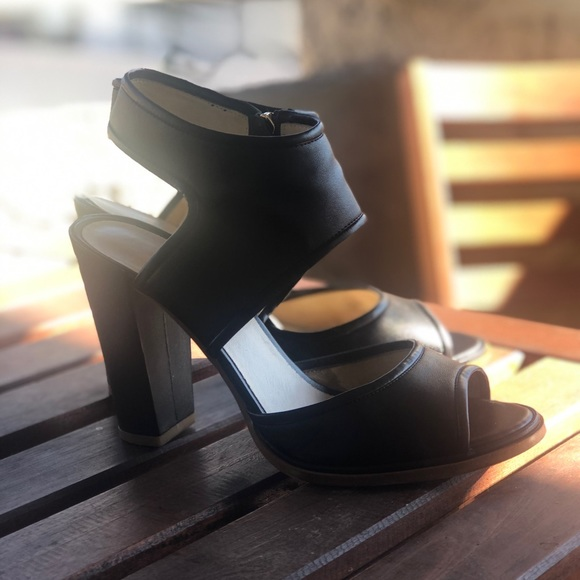 Kenneth Cole Shoes - Kenneth Cole Stace Heels